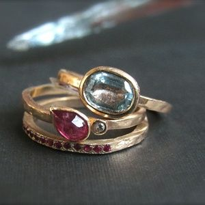 Selection of gold rings, specials,Uniqueness.